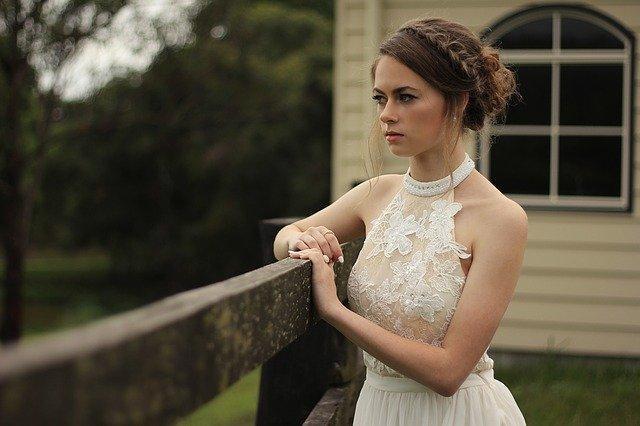 איך להתמודד עם התקפי חרדה לפני החתונה?