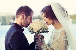 איך לארגן חתונה חלומית ולחסוך בעלויות